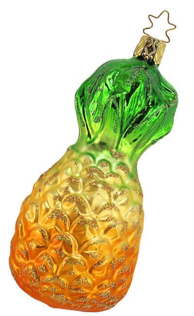farmers market pineapple